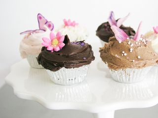 Violets_cakes_cupcake